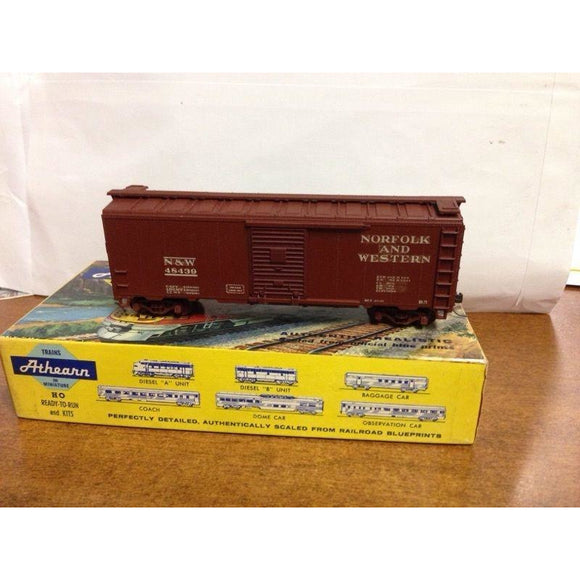 Athearn Norfolk & Western 40' Boxcar - Swasey's Hardware & Hobbies