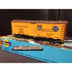 Athearn PFE 40' Reefer - Swasey's Hardware & Hobbies