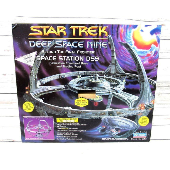 Star Trek Deep Space Nine Space Station 1994
