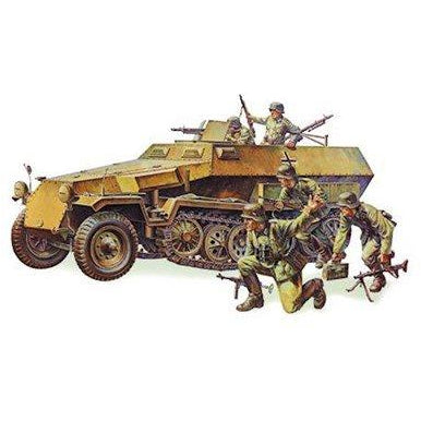 <p>1/35 German Hanomag SdKfz Plastic Model</p>