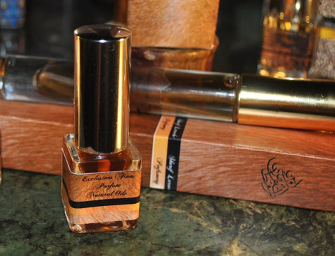 Tuscan Cigaro Natural Solid Perfume Spray 7ml