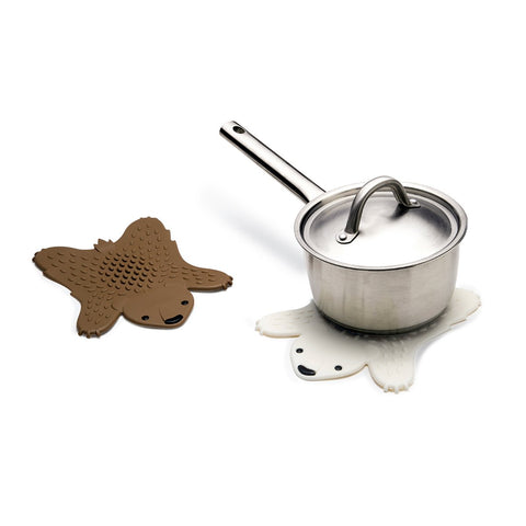 MOQ:6 Grizzly Hot Pot Trivet