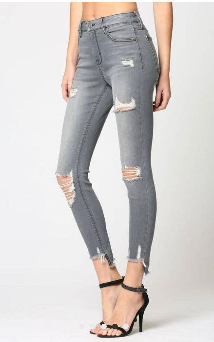 Taylor Gray Distressed Jeans - WenLeeMae Boutique