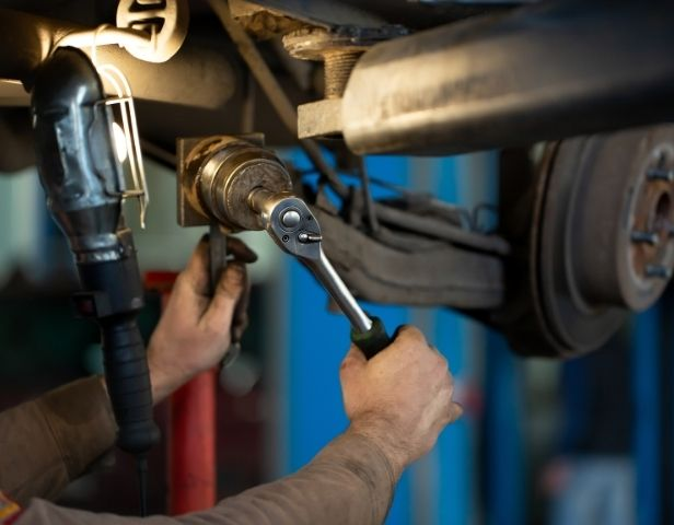 Signs You Need To Replace Your Lifted Vehicle's Control Arms
