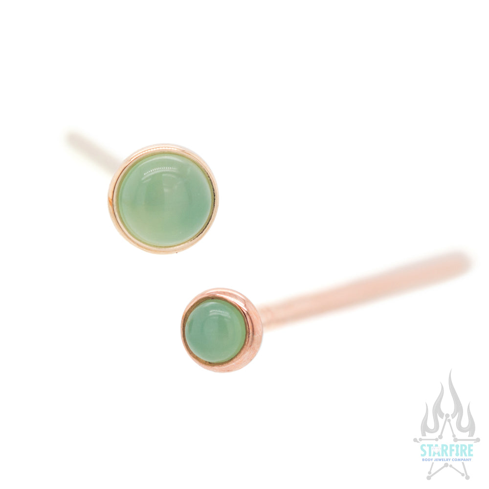 Chrysoprase in Cup Setting Nostril Screw in Gold