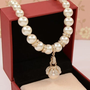 Lilybell Pearl Necklace - Gold | HERS.BOUTIQUE