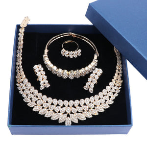 Carol Crystal Jewelry Set - gold | HERS.BOUTIQUE