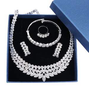 Carol Crystal Jewelry Set - silver | HERS.BOUTIQUE