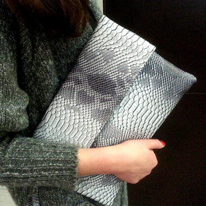 TopHigh Clutches - Gray / (20cm<Max Length<30cm) | HERS.BOUTIQUE
