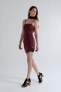 Wine Bodycon Mini Dress with Lace Choker