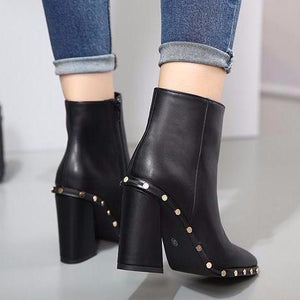 Studded Pointed Ankle Boots, Shoes - Mood:Fabulous | Find your style! Shop online women's clothing, accessories, shoes & more. Free shipping on orders over 50€.