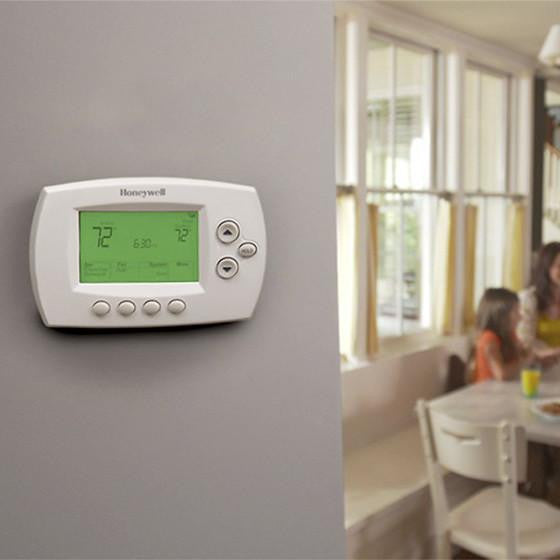 Honeywell Wi-Fi 7 Day Programmable Thermostat image 28105018645