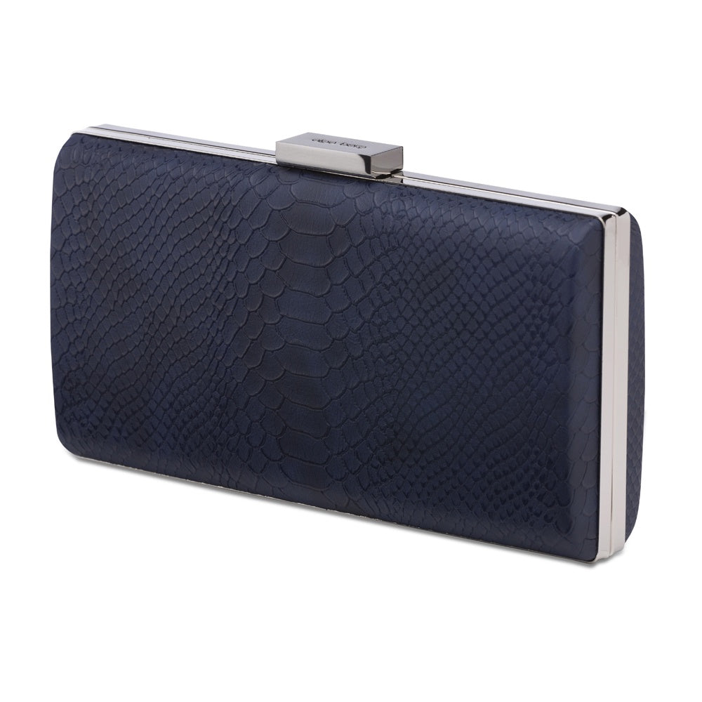 Olga Berg // Clutch // Jean in Navy