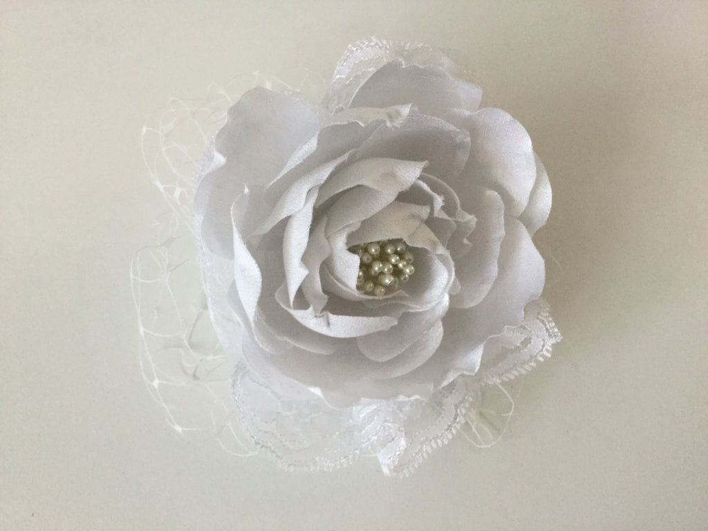 White rose and lace hairpiece