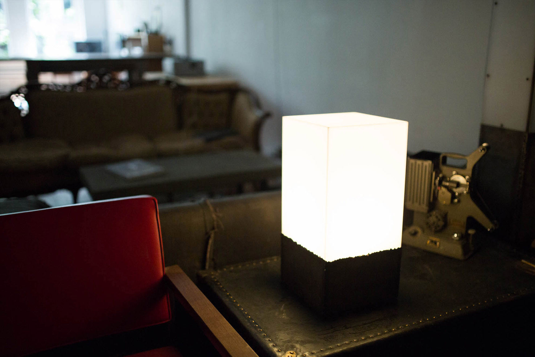 Luminous Touch - An Industrial Inspired Tabletop Luminaire