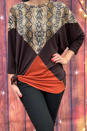 Tri-color snake print 3/4 sleeve top