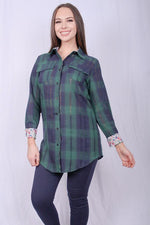 Long sleeve green plaid button down top w floral printed sleeves