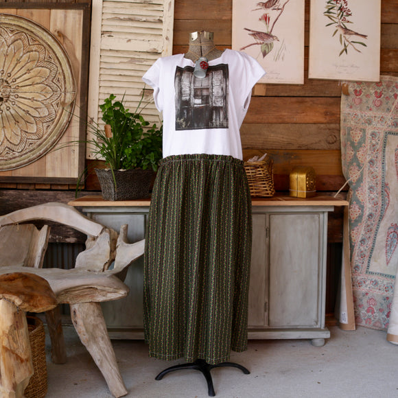 Chippy Window and Vintage Maxi