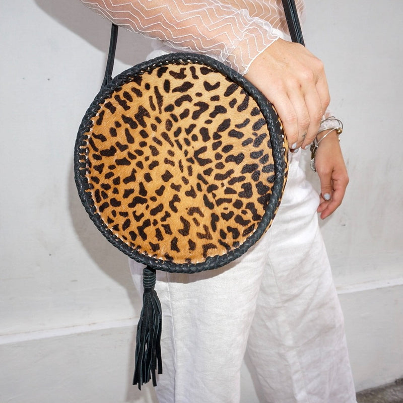 SAUDARA THE LABEL - CIRCLE COWHIDE PURSE