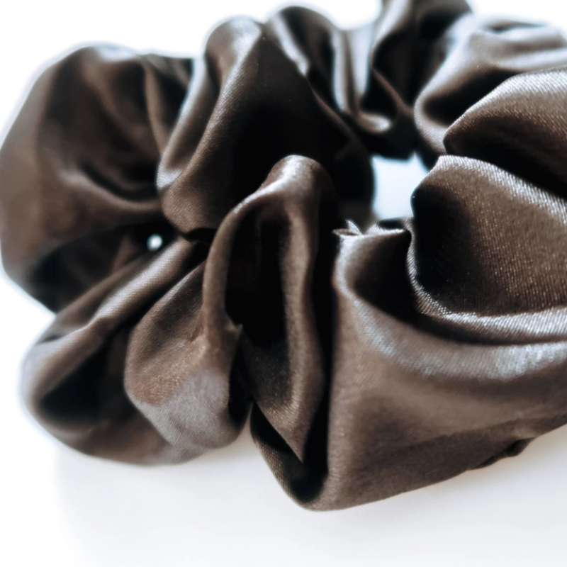 SUMMER BUNS - BLACK NOIR SCRUNCHIE