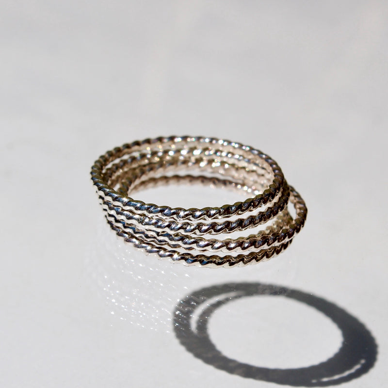 FOXYCAT JEWELRY - TWISTED RING STACKERS SILVER (SET OF 5)
