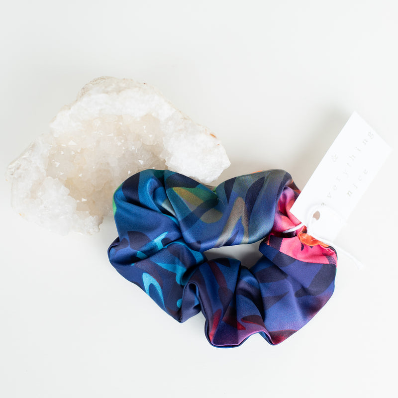 & EVERYTHING NICE BEBE - BLUE AND PINK SILKY SCRUNCHIE