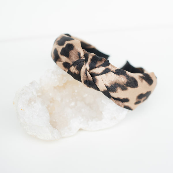 & EVERYTHING NICE BEBE - CHEETAH PRINT HEADBAND