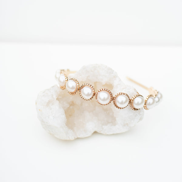 & EVERYTHING NICE BEBE - LARGE PEARL HEADBAND