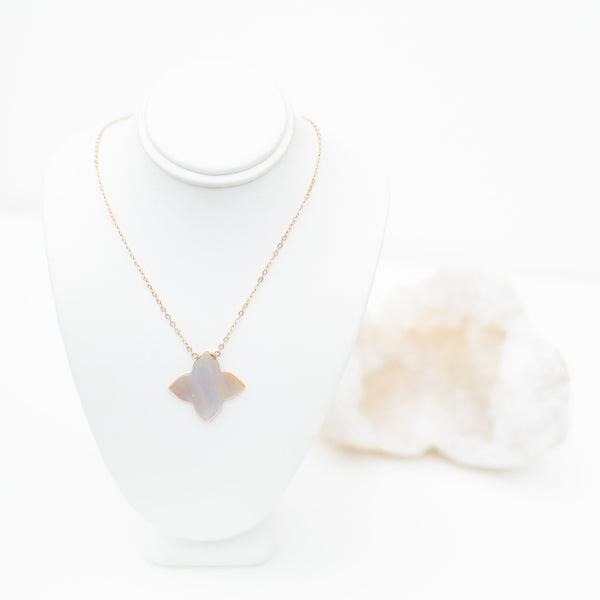 LUSH JEWELRY - PEARL STAR NECKLACE