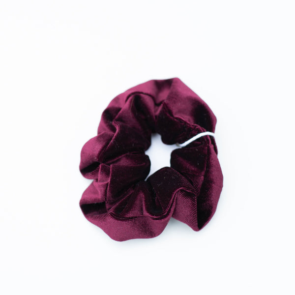 & EVERYTHING NICE BEBE - BLUE VELVET SCRUNCHIE