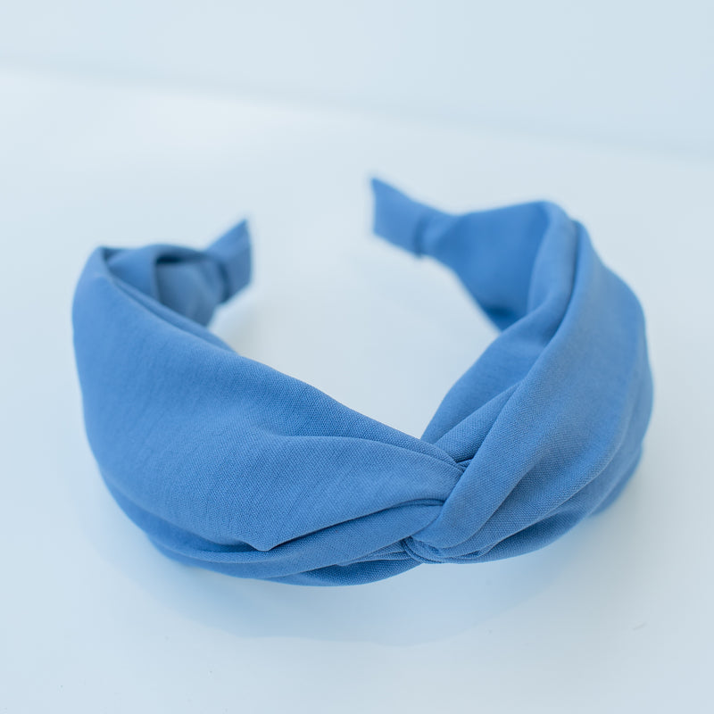 & EVERYTHING NICE BEBE - BLUE KNOT HEADBAND