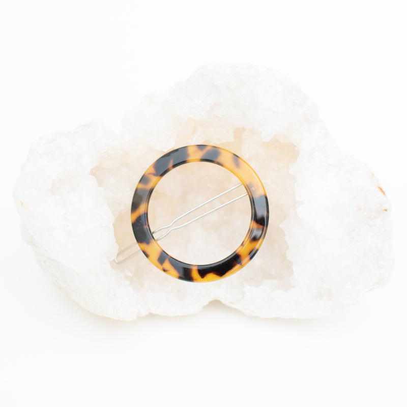 & EVERYTHING NICE BEBE - DARK TORTOISE CIRCLE BARRETTE