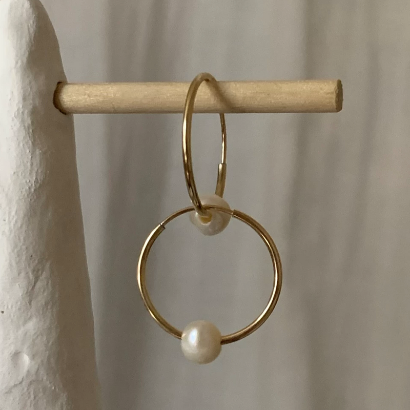 LUSH JEWELRY - EVERYDAY PEARL HOOPS