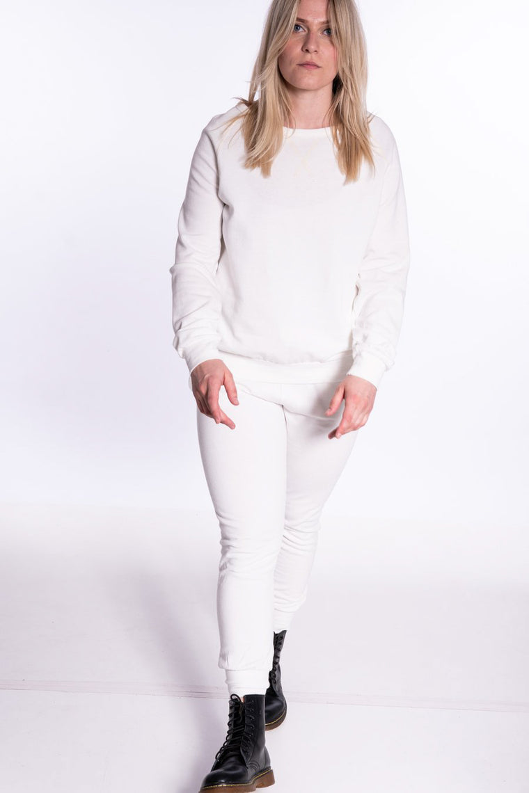 THE LAUNDRY ROOM - WHITE STIRRUP PANTS