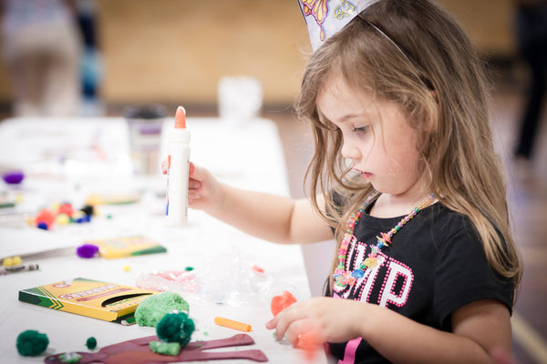 girl at art day camp