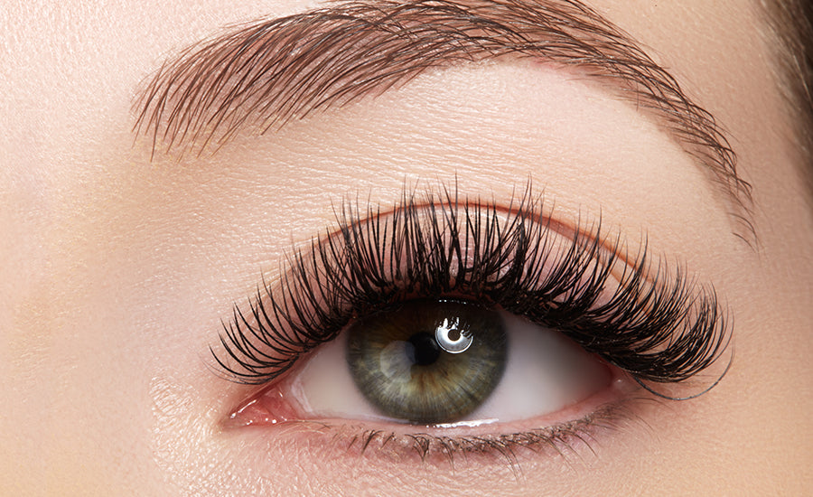 Glam eyelash extension style