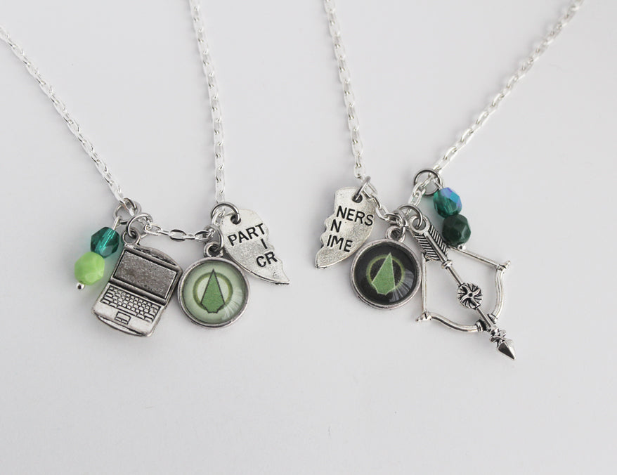 Team Arrow Best Friends Necklace Set