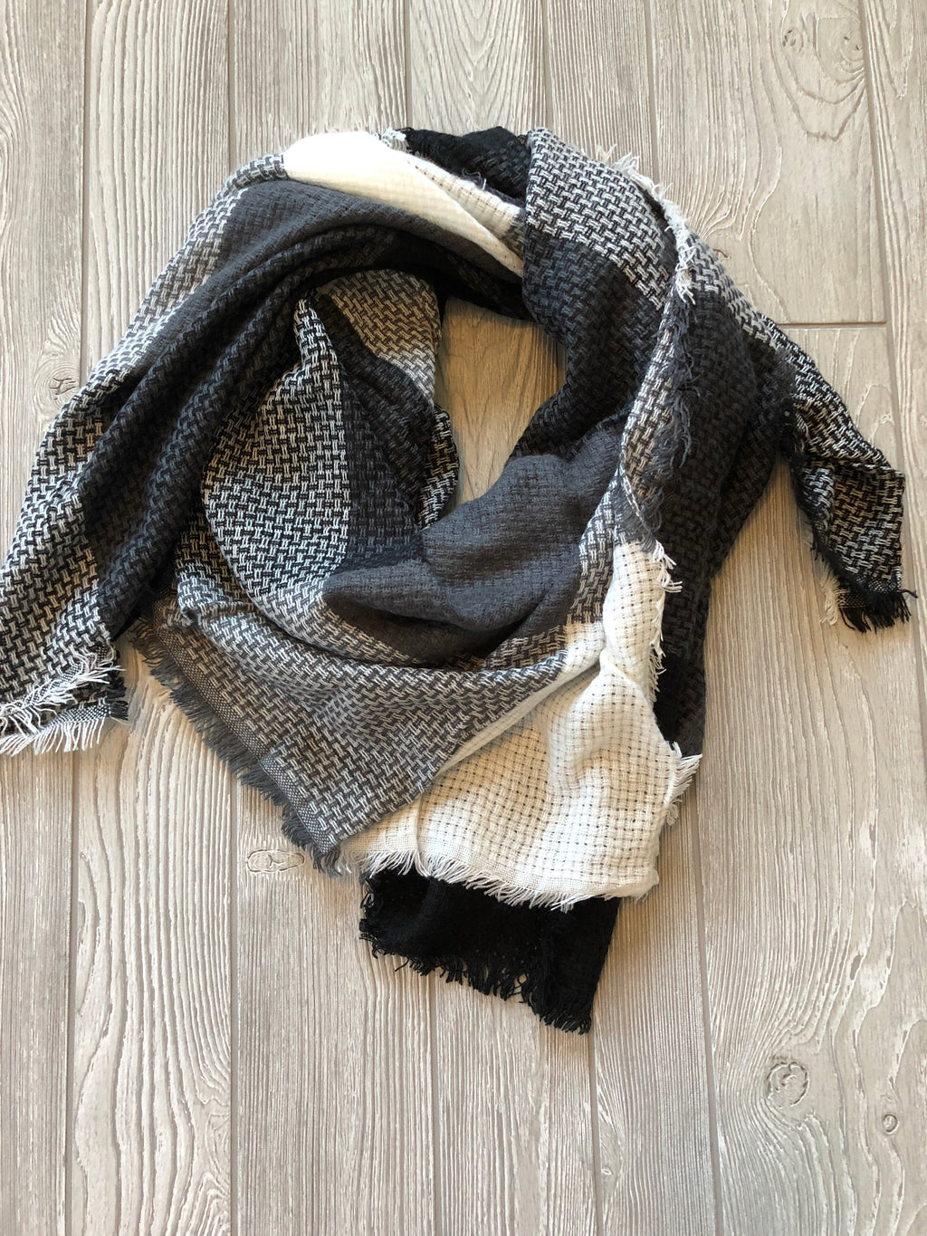 Black/ White Blanket Scarf