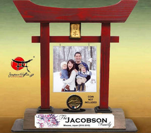 "(LARGE) 14"" Red Torii Gate ""Family Photo & Name"" w/acrylic"