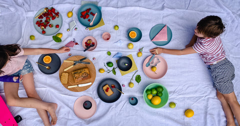 easter-feast-bamboo-plates-kids