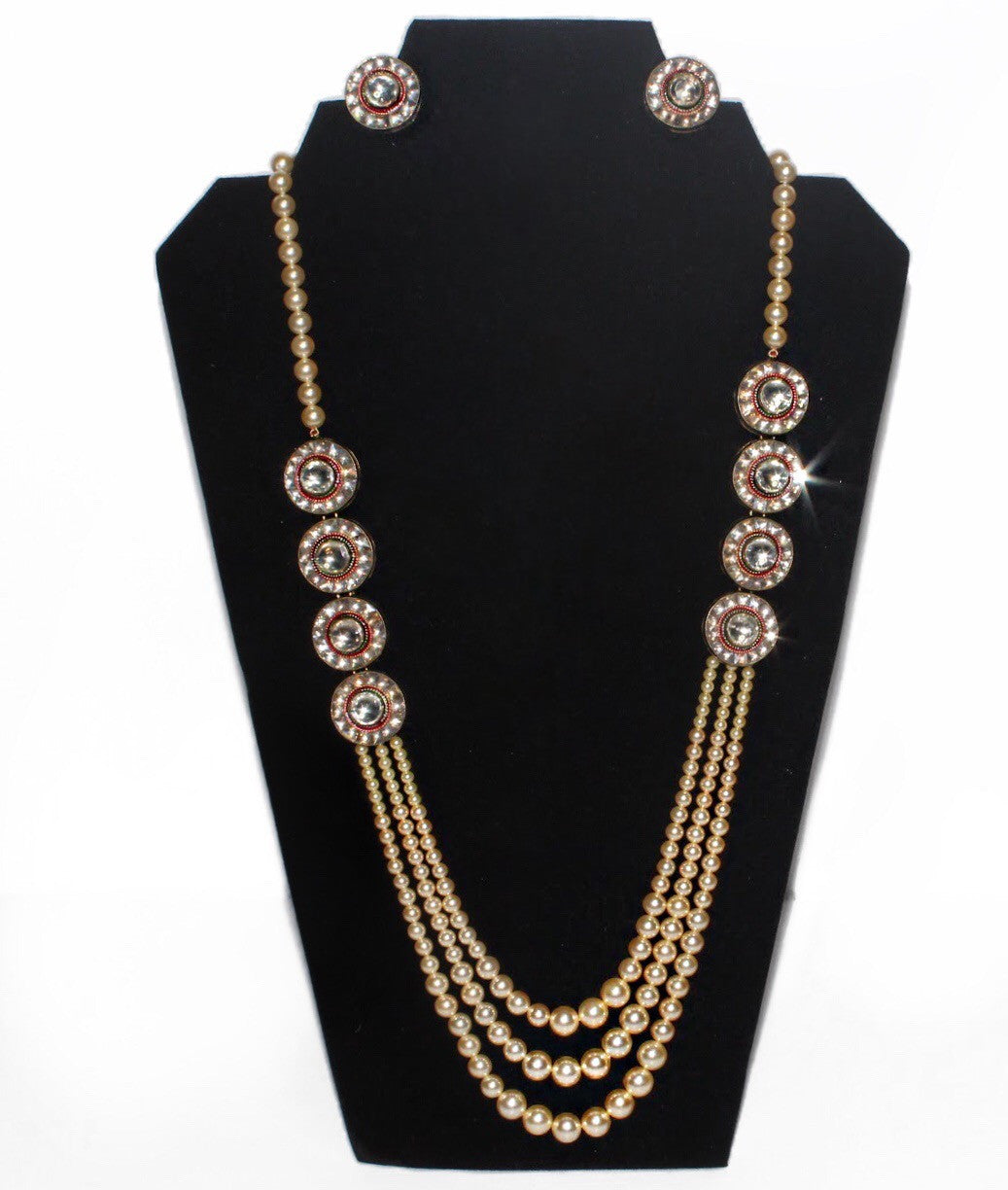 Pearl Necklace with Kundan embelishment