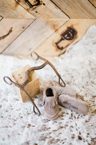 Minnetonka Riley Genuine Suede Baby Moccasins [Grey]