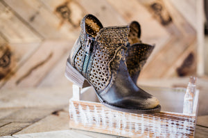 Circle G Distressed Brown Zippered Karie Boots