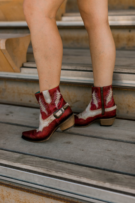 Corral Hitchhiker Red Buckled Boots
