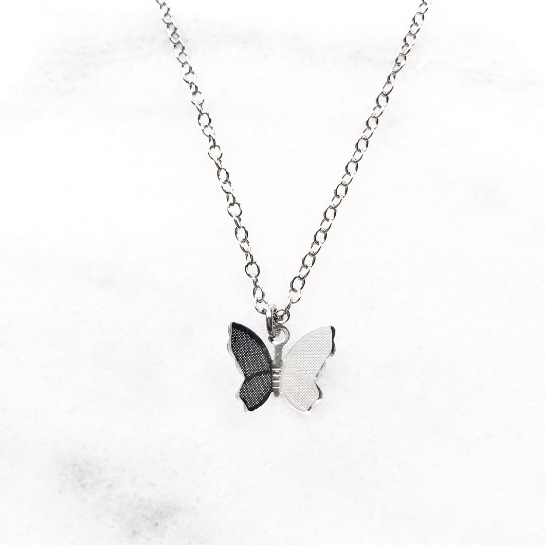 Mariposa Butterfly Necklace - Sun & Co.