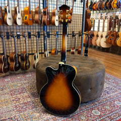 Eastman AR403CE-SB Archtop Elec Single Pickup Sunburst