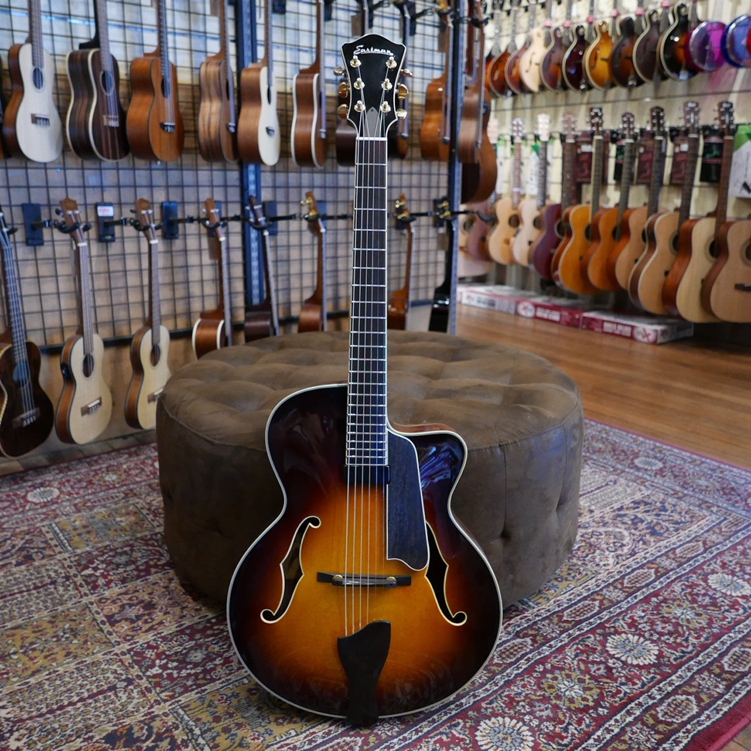 Eastman AR605CE-CS Electric Hollowbody Archtop