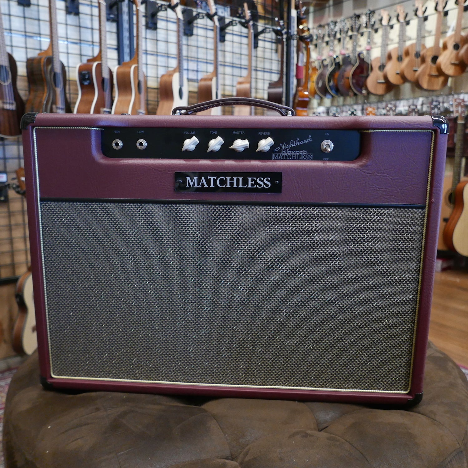 Matchless Nighthawk 15W Reverb Combo 112 Maroon/Gold