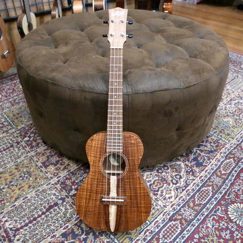 Maton Custom Tenor Ukulele-Highly Figured Blackwood w/Case