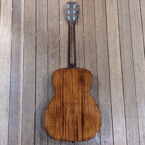 Martin 0018: Standard Series 00 Acoustic Guitar - Used
